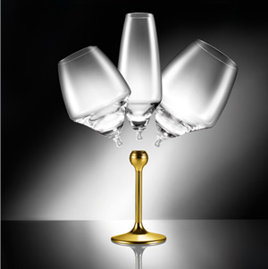 The new goblets are made of crystalline glass, a better, more ecological and limescale-resistant league of crystal alloy.